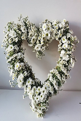 Beyaz Papatyadan Kalbin Sunumu