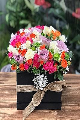 Özel Kutu da Çardak Gülleri Bahçesi
